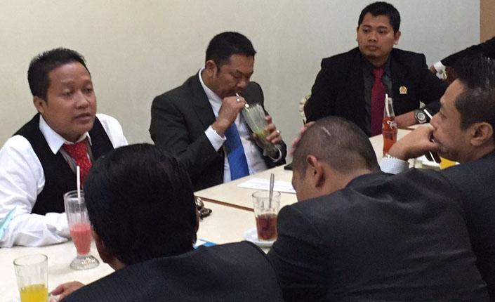 Presiden Advokat Indonesia sedang santai