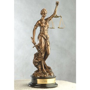 Patung Akrilik Dewi Keadilan