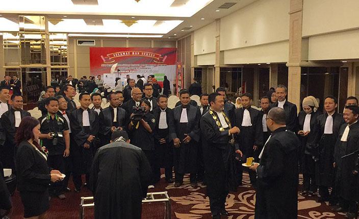 Penyumpahan Advokat KAI. Denpasar, 21 April 2016 1