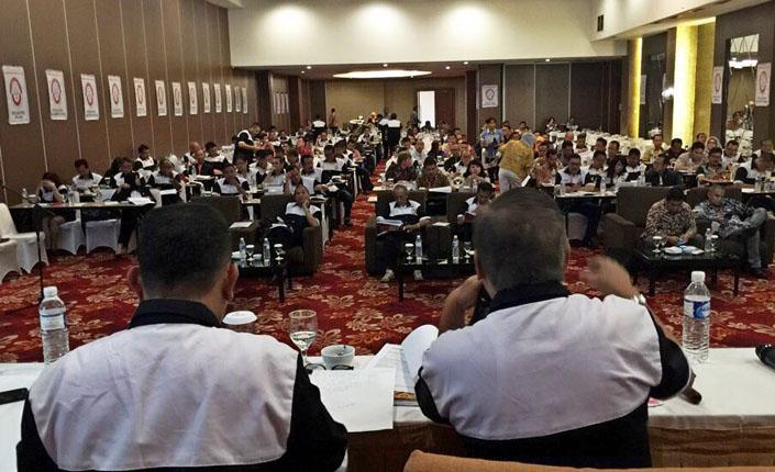 Kongres Nasional Luar Biasa KNLB Kongres Advokat Indonesia