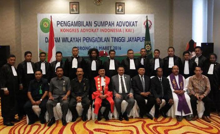 Ketua PT Jayapura Kukuhkan 26 Advokat KAI