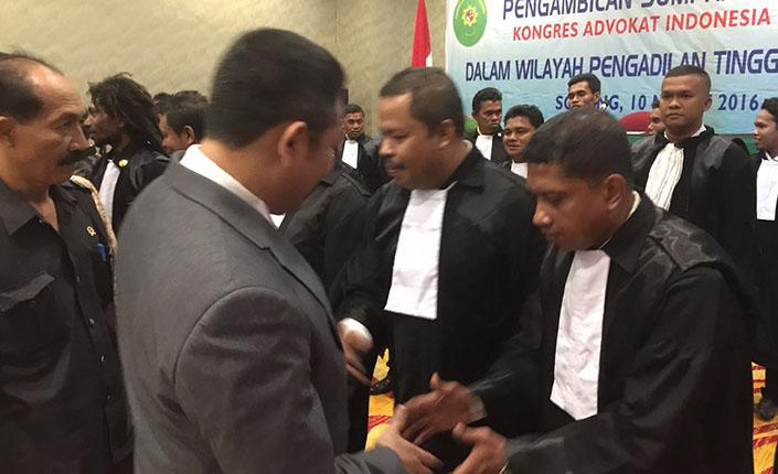 Ketua Pengadilan Tinggi Jayapura Kukuhkan 26 Advokat KAI 5