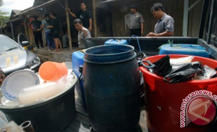 Korban minuman keras oplosan Cirebon bertambah