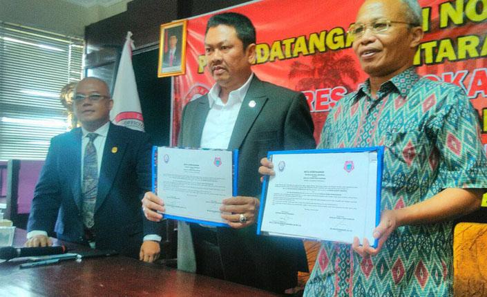 Penandatangan Nota Kesepahaman KAI dengan Sekolah Tinggi Ilmu Hukum Bandung 3
