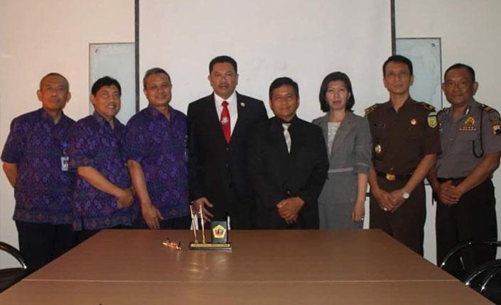 Penandatanganan MOU antara KAI dengan Universitas Muria Kudus | Kudus 23 Maret 2016 - 1