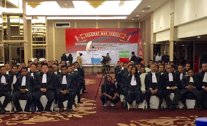 Pelantikan dan Pengukuhan Pengurus DPC KAI Surabaya dan Bojonegoro serta Pengangkatan Advokat KAI Jawa Timur. Hotel Pullman Surabaya, 23 April 2016 3