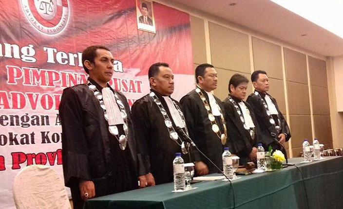Pelantikan dan Pengukuhan Pengurus DPC KAI Surabaya dan Bojonegoro serta Pengangkatan Advokat KAI Jawa Timur. Hotel Pullman Surabaya, 23 April 2016