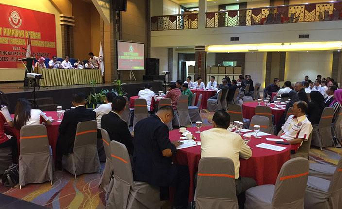Rapimda dan Pengangkatan Advokat KAI Kalimantan Selatan di Hotel Aria Barito Banjarmasin, 26 April 2016 3