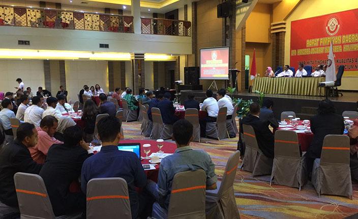 Rapimda dan Pengangkatan Advokat KAI Kalimantan Selatan di Hotel Aria Barito Banjarmasin, 26 April 2016 5