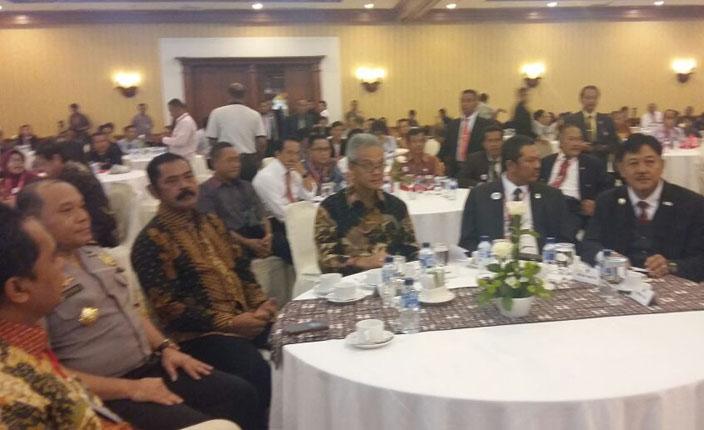 Peserta acara HUT KAI Gubernur Jateng Ganjar Pranowo