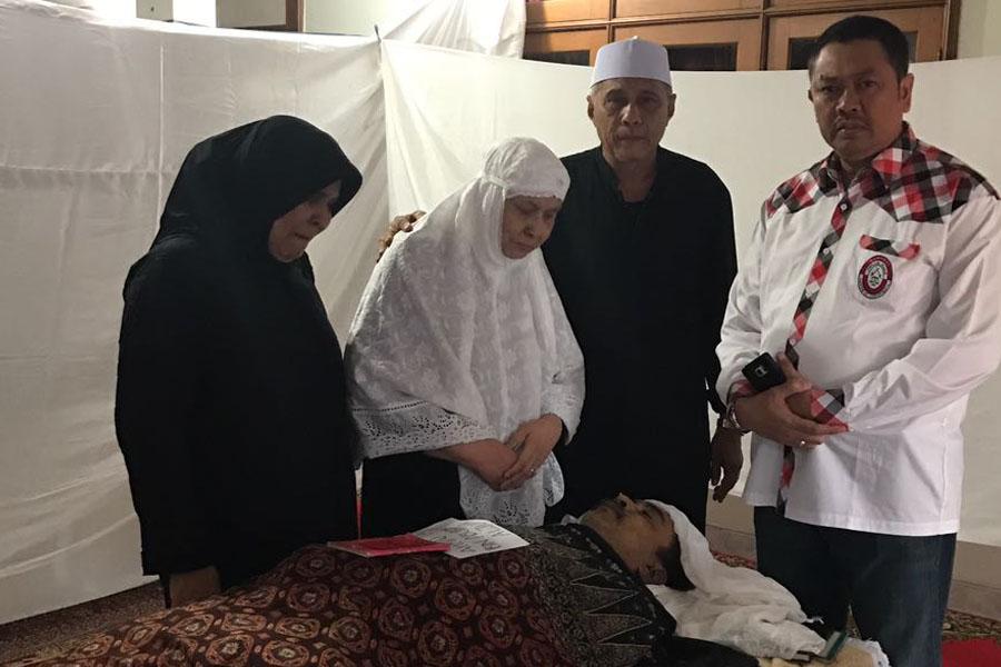 Ucapkan Belasungkawa, Presiden KAI Kunjungi Rumah Duka Almarhum Ahmad Taufik