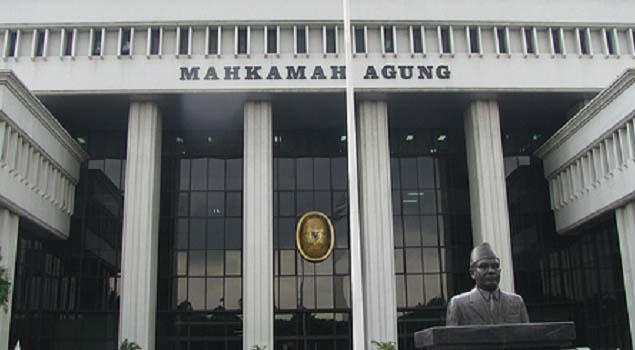 Empat Dosen Hukum Gugat Kewenangan Penyidikan OJK ke Mahkamah Agung