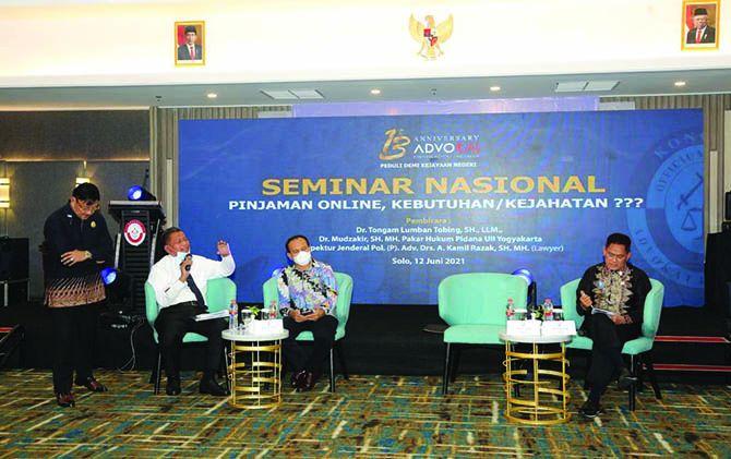 Seminar Nasional tentang Pinjol di HUT Kongres Advokat Indonesia